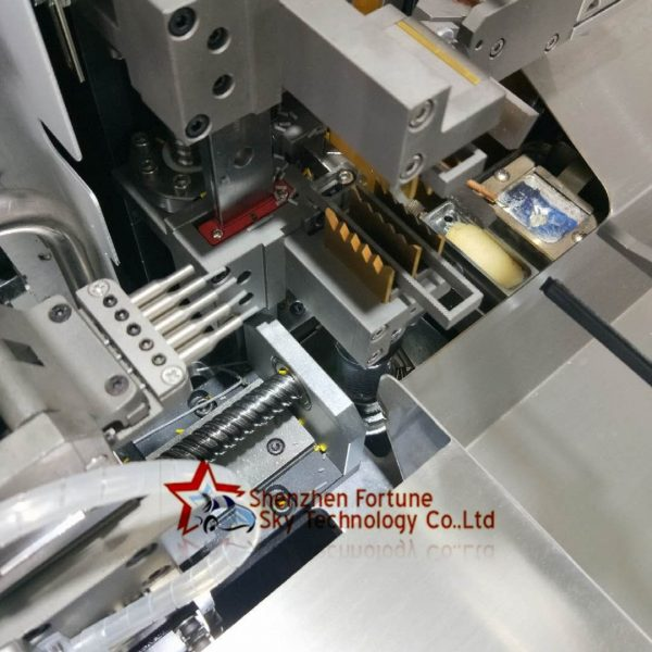 Fully automatic five wires one-end strip terminating one-end strip twist tinning machine